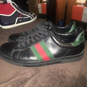 Gucci low top shoes.